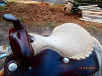WESTERN BARREL OR TRAIL SADDLE Super nice western
