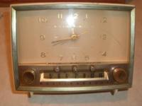 WESTHINGHOUSE TABLE CLOCK RADIO TUBES WORKING,AS LITLE