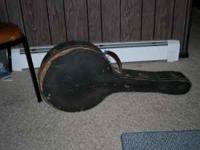 1926 Weymann banjo 4 string.Case a little rough but