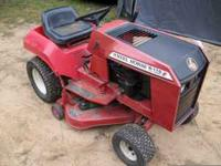 WHEEL HORSE LAWN TRACTOR ..11HP BRIGGS/5 SPEED
