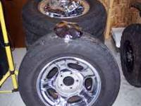 "17"" Ford Chrome Wheels 5 lug with 235/75/17 tires. $200"