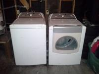 2009 Whirlpool Cabrio Washer and Dryer. Like new.