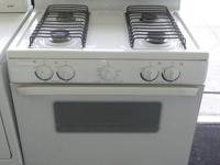 WHIRLPOOL STOVE  SAVE OVER 50% OFF RETAIL  ONLY
