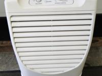 Whirlpool AD50G1 Portable Dehumidifier 50pt Works Good,