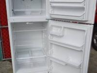 White Frigidaire Refrigerator 18cu ft Frost cost-free