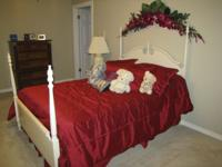 Set includes double/full bed with headboard and