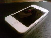 WHITE IPHONE 4S , 16 GB, SPRINT, MINT CONDITION , HAS