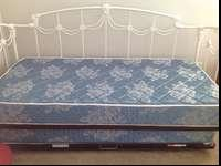 Moving must sellWhite iron daybed trundle and 2