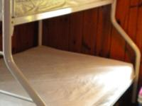 Type:FurnitureType:white metal bunk bedwhite metal bunk