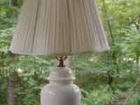 White Porcelain Table lamp. In good condition. $ 25