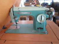 White Sewing Machine w/table (Electric - runs) Vintage