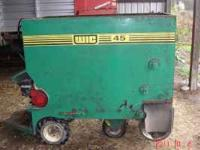 WIC #45 Silage Cart in very good condition. (30 bushel