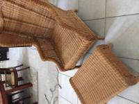 Type: Furniture Type: Chair Very nice high back wicker