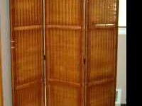 Wicker Divider in good condition. Wicker has slightly