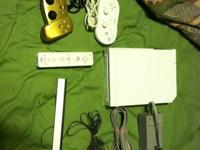 Wii with 4 games one controller two clasic controller