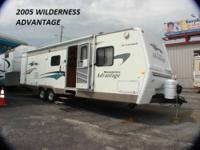 WILDERNESS ADVANTAGE TRAVEL TRAILER FULL KITCHEN FULL