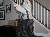 !00% leather Will purse. This purse has been used no