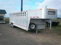 2007 7x28' Wilson Stock Trailer 3 Compartments, escape