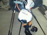 Very good condition including 10 different clubs 3 club