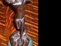 Great patina on this heavy cast piece. High quality,
