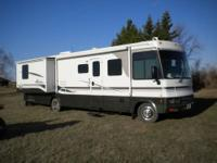 2002 35' Winnebago Adventurer Class A motor home, V10,