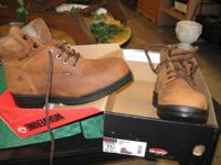 js. NEW IN BOX! Wolverine guys's work boot powers up