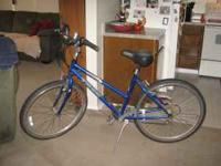 Woman's Trek mountain bike for Sale. Good Shape.