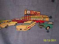 Antique cars and diners appliqued on a large Womans