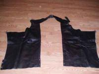 WOMEN LEATHER CHAPS SIZE XL  Location: SOUTHAVEN,MS