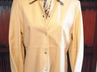 Beautiful jacket, like new, lined structured with