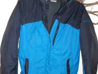Women's size medium Columbia coat w/ zip out liner and
