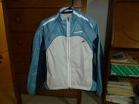 Cannondale convertible bicycling jacket. Blue & white,