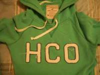Women's size M green Hollister hoodie with 3/4 length