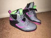 Excellent condition Jordan shoes for women!! They are