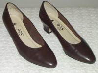 Women's size 7 medium dark brown dress shoes 9-2-5 with