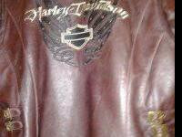 Pre-owned hooded leather jacket with belt, women?s size