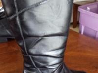 [EUC = Excellent Used Condition] Woman Boot Size 8.5 8
