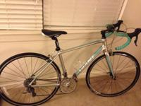 Selling my Silver and Turquoise Giant Road Bike. I