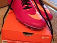 LIKE NEW. Womens Nike Hypervenom soccer cleats size