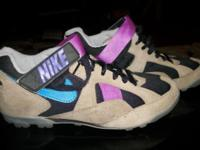Womens Nike Guba Biking Shoes Size: 8 1/2