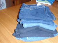 6 pr of womens size 18 jeans, 2 black pair and 4 blue