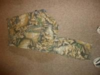 SIZE SMALL HUNTING PANTS WOMENS SMALL, OAK COUNTRY