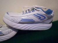 i have 1 pair of new balance tennis shoes size 8 1/2
