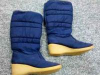 Womens / Youth Girls Snow Boots Size 8 ... Good Used