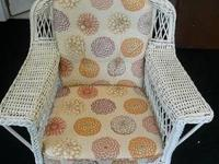 Beautiful white wicker side chair in great shape. It