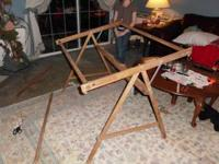 Good condition wood quilting frame that tilts, easy to