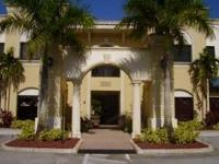 Palm Beach County central location just one block west