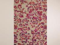 Hi! Offering a 5'x8' silk flatwoven rug I got over the