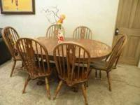 NICE STURDY WELL BUILT TABLE SET HAS 1 LEAF TO EXTEND