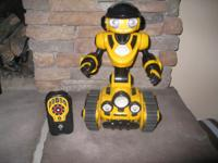 Wow Wee Remote Control Robot!! with Manual Like New